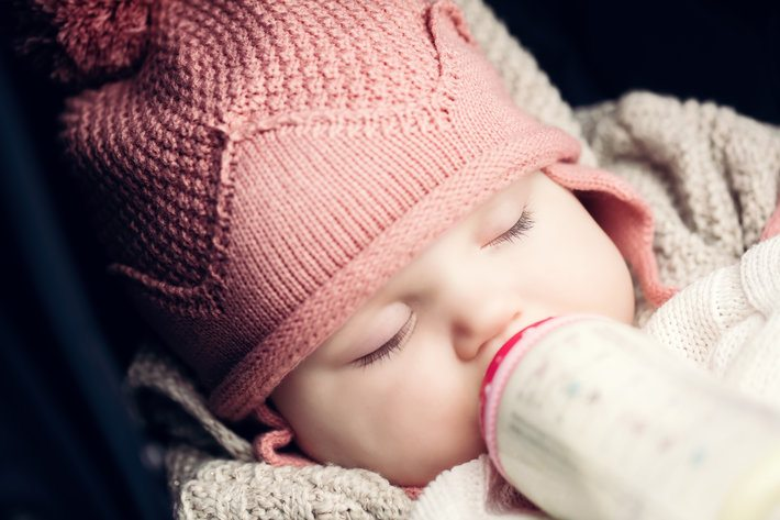 Dream feed may sound like the perfect solution to your baby