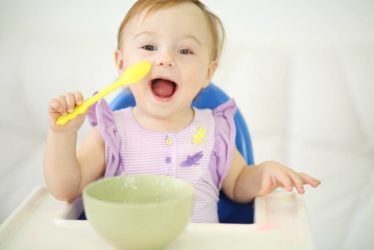 When Do Babies Start Eating Solids