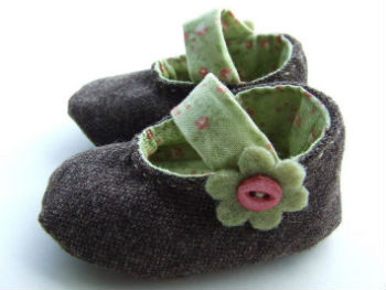 Baby-booties-–-Choose-designs-that-are-comfortable-for-the-baby
