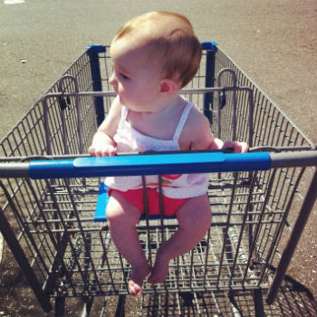 Is-It-Safe-For-Your-Baby-To-Sit-in-a-Shopping-Cart