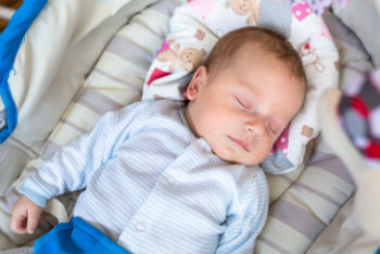 Signs-That-Your-Baby-Still-Needs-Two-Naps
